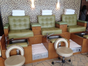 Senses Salon - pedicure chairs